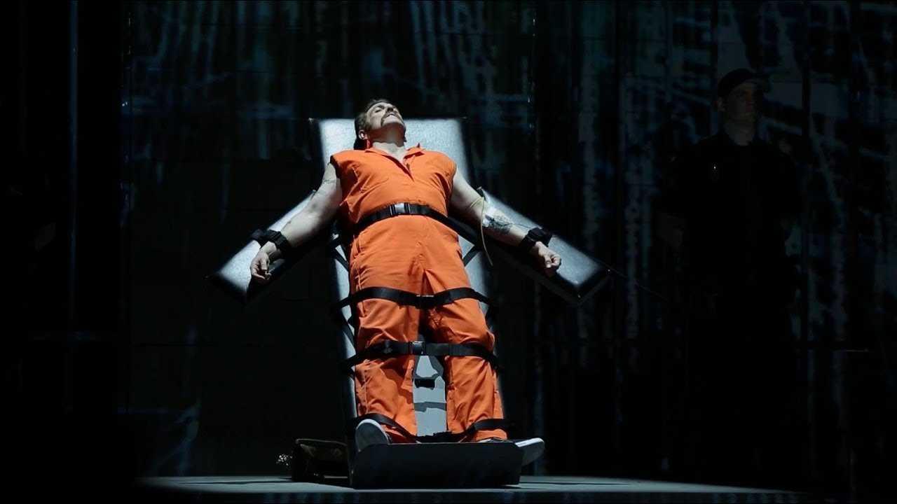 האופרה גבר מת מהלך בישראל - כרטיסים, הנחות ולוח הופעות 2019