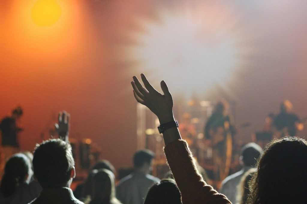 מתווה תרבות חדש - הופעות במרחב הפתוח בקפסולות של 20 איש