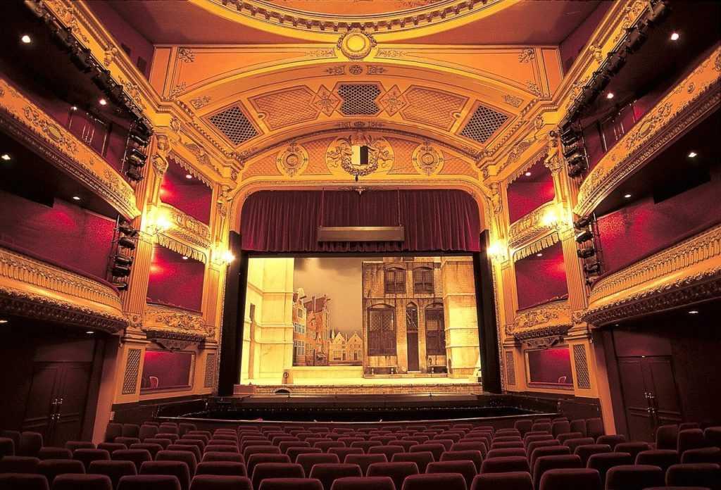 האופרטה העטלף מגיעה לאופרה הישראלית ב-2021 - כרטיסים וכל הפרטים!